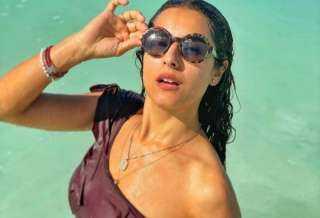 من حمام السباحة.. ريهام أيمن تستمتع بالعطلة الصيفية بإطلالة جريئة (صور)