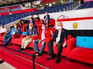 وزير الرياضة ورئيس الأولمبية يدعمان منتخب اليد أمام البرتغال في الأولمبياد