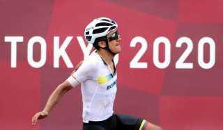 الإكوادوري كاراباز يتوج بذهبية سباق الدراجات على الطرق في أولمبياد طوكيو