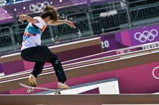 الياباني هوريجومي يتوج بأول ذهبية أولمبية في التزلج على الألواح بدورة طوكيو