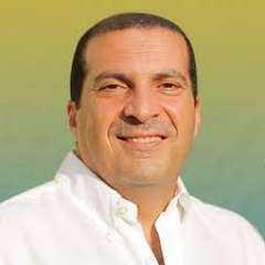 بصوت عمرو خالد.. دعاء رائع لجبر خواطر المهمومين