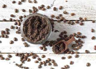 بالقهوة والنشا.. حيلة سحرية للقضاء على النمل من مطبخك