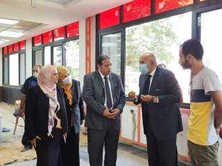 نائب رئيس جامعة عين شمس يتابع تطورات التجديدات الانشائية بكلية الآداب