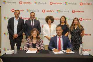 """تعاون بين ڤودافون ومايكروسوفت لتنمية المهارات الرقمية للشباب عبر منصة """"Begin"""""""