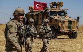 مقتل 4 أشخاص في هجوم للقوات التركية على ريف الرقة