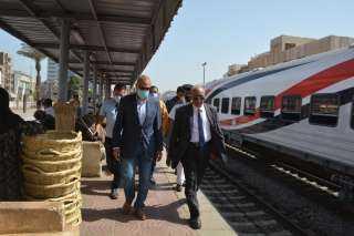 النقل تكشف حقيقة زيادة أسعار تذاكر السفر لقطارات السكة الحديد