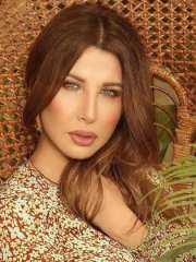 نانسي عجرم تتخطى 140  الف مشاهدة بأغنيتها الجديدة