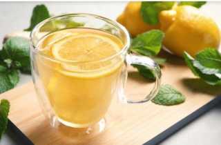 ماذا يحدث للجسم عند تناول شرب الليمون يومياً؟