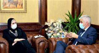 وزيرة التجارة والصناعة تبحث مع إحدى كبريات الشركات الامريكية المتخصصة في مجال الملابس الجاهزة ضخ استثمارات جديدة بالسوق المصري