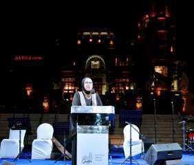 """وزيرة التجارة تفتتح المهرجان الثقافى الدولى الأول للتذوق""""جونيه"""""""