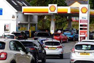 عاجل.. قرار خطير من بريطانيا بشأن أزمة الوقود