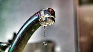 انقطاع المياه عن عدة مناطق بالجيزة لمدة 8 ساعات