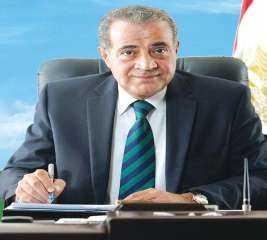 وزير التموين يكشف تفاصيل وجود بطاقة تموين بإسم الرئيس السيسى بالمنيا