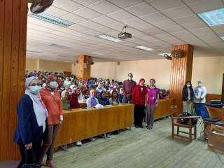 ألسن عين شمس تكرم فريق الجوالات الفائز بالمركز الثاني على مستوى الجامعة