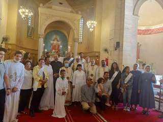 صور.. الكنيسة الكاثوليكية تحتفل بيوم الخادم بإيبارشية الإسماعيليّة