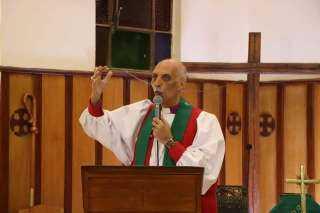 رئيس الأسقفية يوجه رسالة خطيرة حول استغلال السلطة.. تعرف عليها