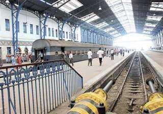 الأمن يضبط أحد الأطفال قام بأفعال خادشة للحياء حال إستقلاله لأحد القطارات