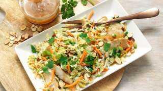 «زي المطاعم».. كيفية تحضير سلطة الدجاج التايلاندي