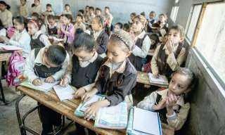 الحكومة تكشف حقيقة فرض قيود على الإعفاءات من المصروفات المدرسية للطلاب الأيتام
