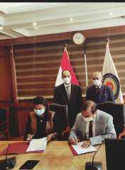 بالصور .. توقيع بروتوكول تعاون بين اللجنة الوطنية لليونسكو ومركز الخدمات الإلكترونية بالمجلس الأعلى للجامعات