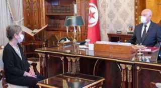 الرئيس التونسي يستقبل نجلاء بودن عقب عودتها من السعودية