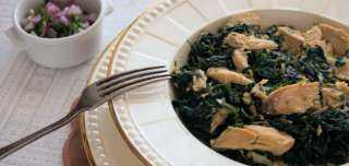 «زي المطاعم».. أسهل طريقة لتحضير ملوخية بالدجاج