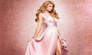 مفاجأة.. فستان زفاف باريس هيلتون من ورق المرحاض