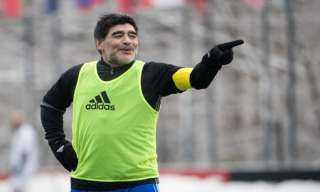 وفاة مارادونا.. الاتحاد الأرجنتيني ينعي راقص التانجو
