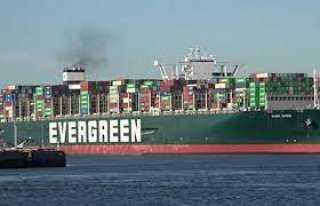 رئيس هيئة قناة السويس: قدمنا حزمة من التخفيضات على السفن القادمة من أوروبا بسبب كورونا